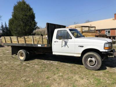 Ford Super Duty Dump Truck- Power stroke diesel engine 7.3 liter, 10 ft bed. Have TN Title