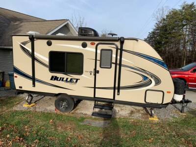 Bullet Crossfire Camper by Keystone 2017 model:  like new condition, all working order, ready to tow. BOUGHT BRAND NEW, USED ONLY ONE TIME.