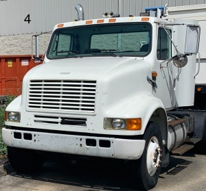 341,764 miles - 1995 International box truck No Title. Buyer to receive a Bill of Sale.