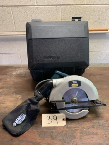 B&D Skill Saw w/ case and dust collector
