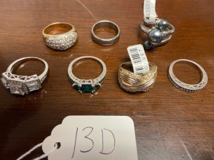 Lot of 7 costume jewelry rings