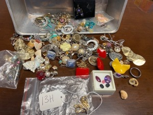 Lot of costume jewelry earrings, pins, etc.