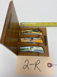 Boxed set of 3 Wildlife Pocket Knives in wooden case
