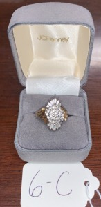 14k gold ring size 6 diamond type cluster 5.77g total weight (weight incl. diamonds and gold)