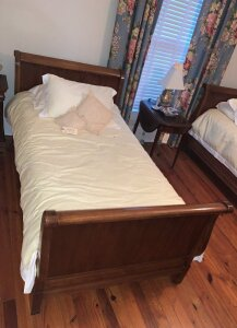 solid wood maple sleigh half bed w/ matching box spring and bedding - Backround contents not included