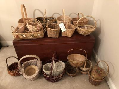 Lot of baskets